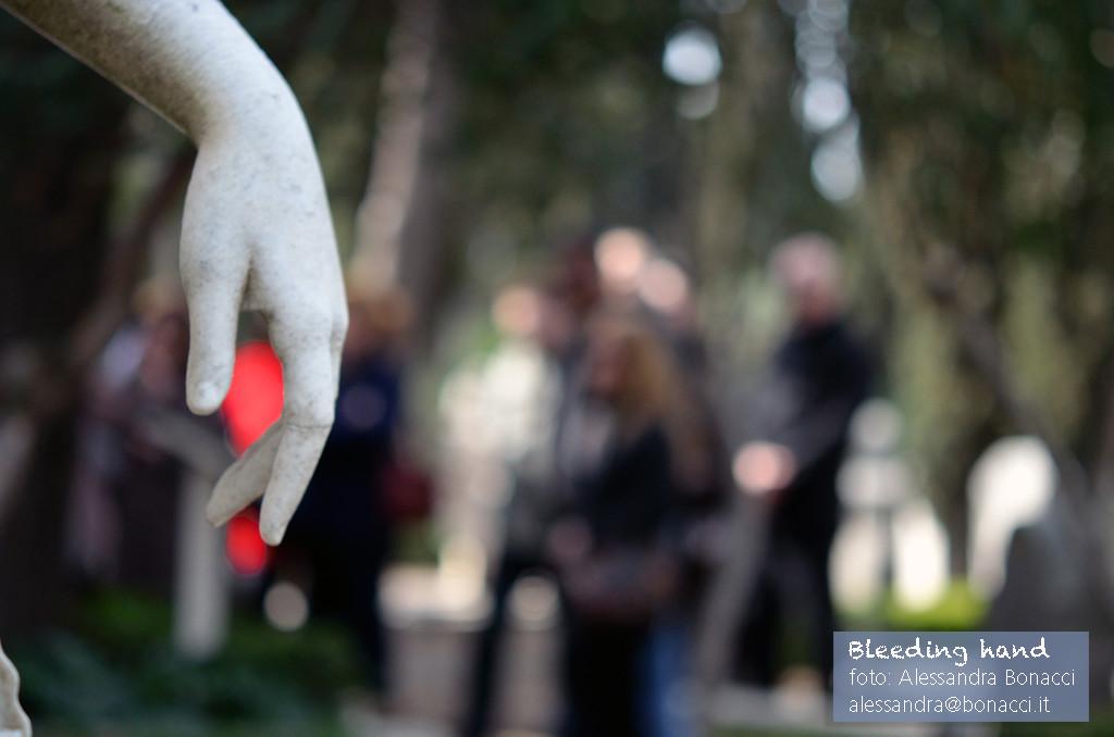 Fotografia arte | Bleeding hand | Fotografia di Alessandra Bonacci