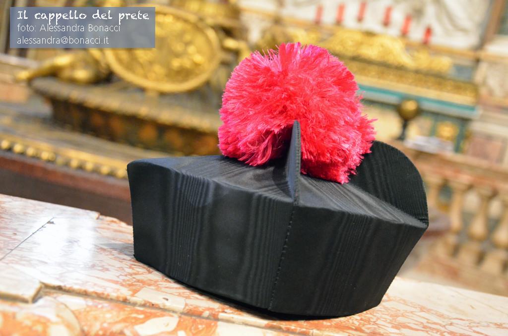 fotografia Italy | Il cappello del prete | Fotografia di Alessandra Bonacci